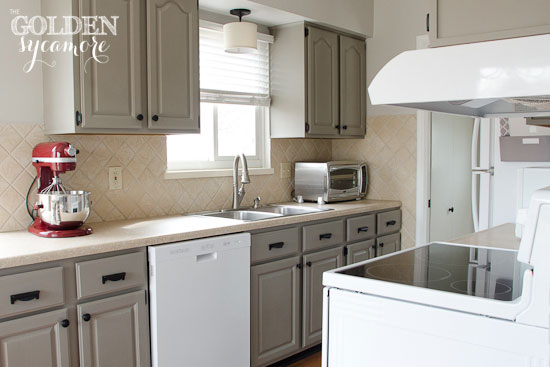 The Golden Sycamore: Kitchen