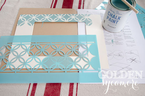 stencil-picture-frame-mat-with-annie-sloan-chalk-paint