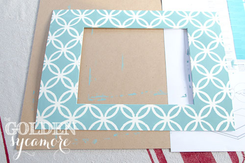 stenciled-picture-frame-mat