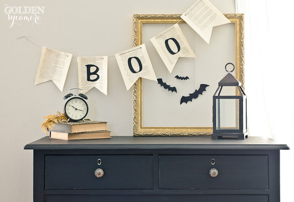Halloween decor and black dresser #mmsmilkpaint #typewriter #mmsmpcolorofthemonth