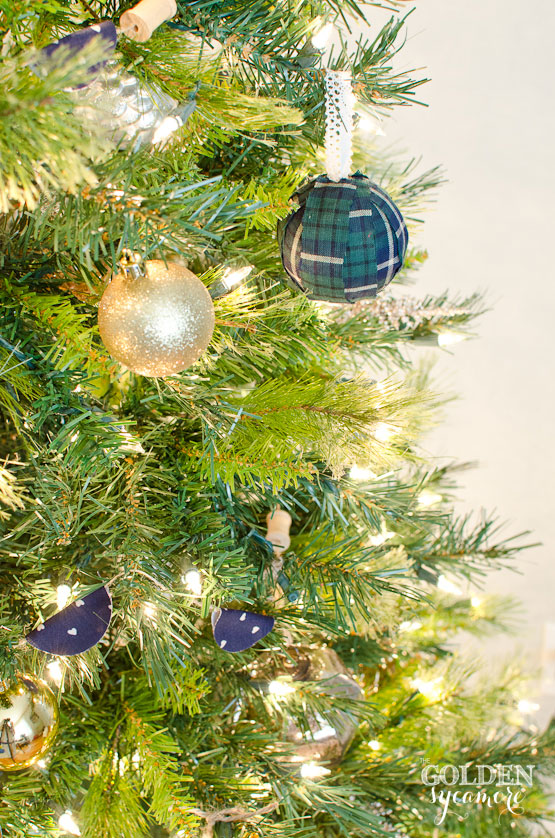 neutral and navy christmas tree - Navy And Gold Christmas Decorations