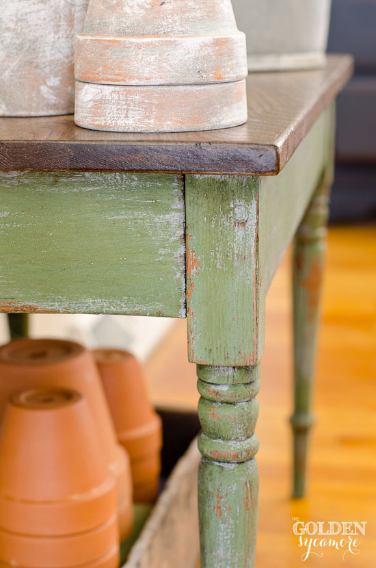 Layering Miss Mustard Seed's Milk Paint colors #mmsmilkpaint #boxwood #shuttergray