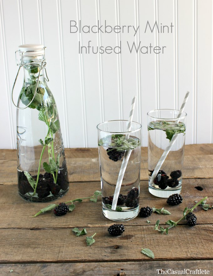 Delicious Summer Recipes : Blackberry Mint Infused Water