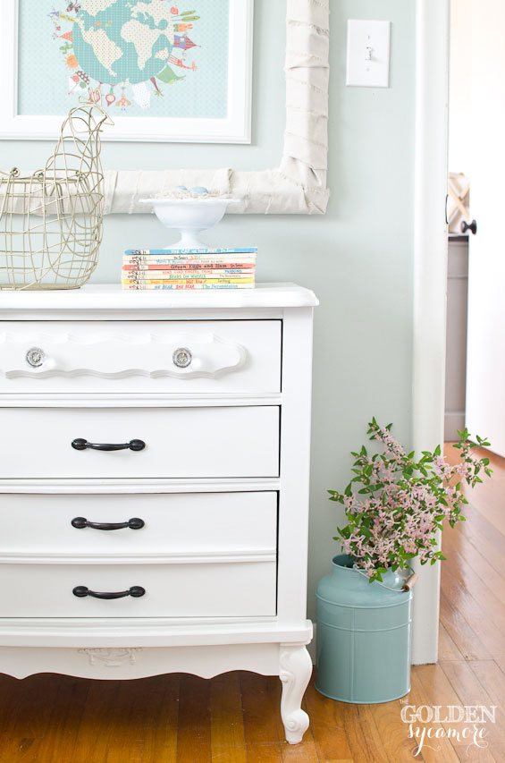 White nightstand make under the golden sycamore for Little girls nightstand