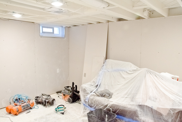 Great Basement Progress : White Painted Ceilings And Drywall Is Up!