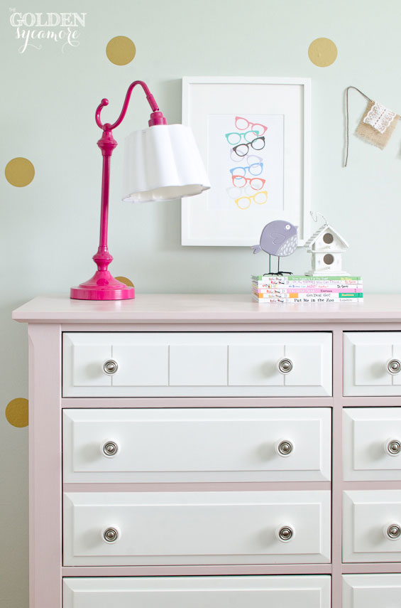 Pink and white chalk painted dresser #antoinette