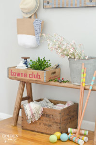 Beautiful casual summer entryway decor