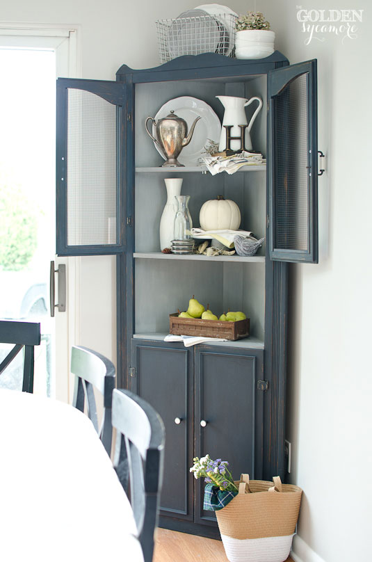 kitchen hutch makeover via the golden sycamore