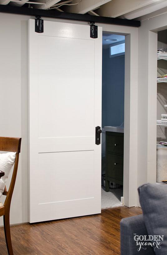 Exceptionnel DIY White Cottage Style Sliding Barn Door
