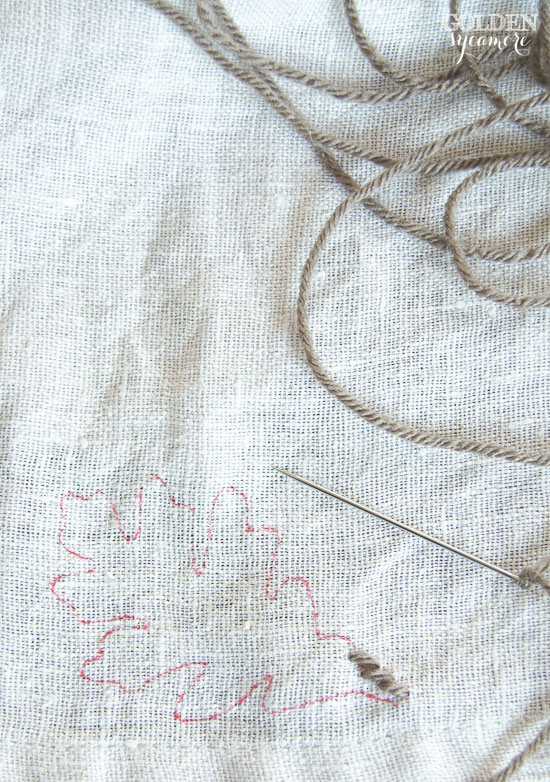 How to embroider a napkin - easy tutorial