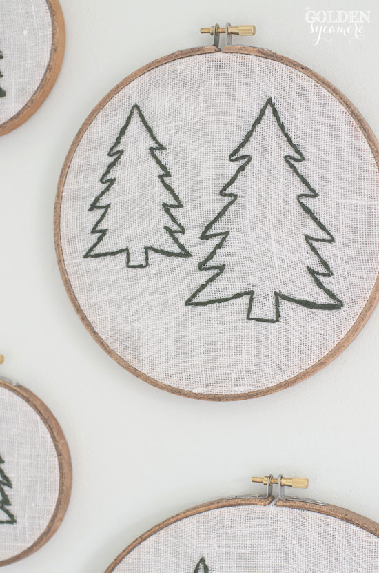 Christmas tree embroidery hoop art - thegoldensycamore.com