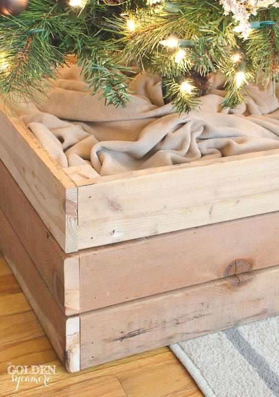 Easy DIY Christmas tree stand box