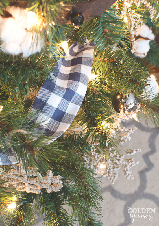 Make ribbon garland out of your favorite fabric