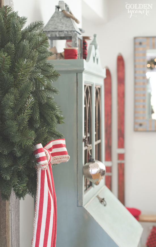 Simple rustic Christmas display