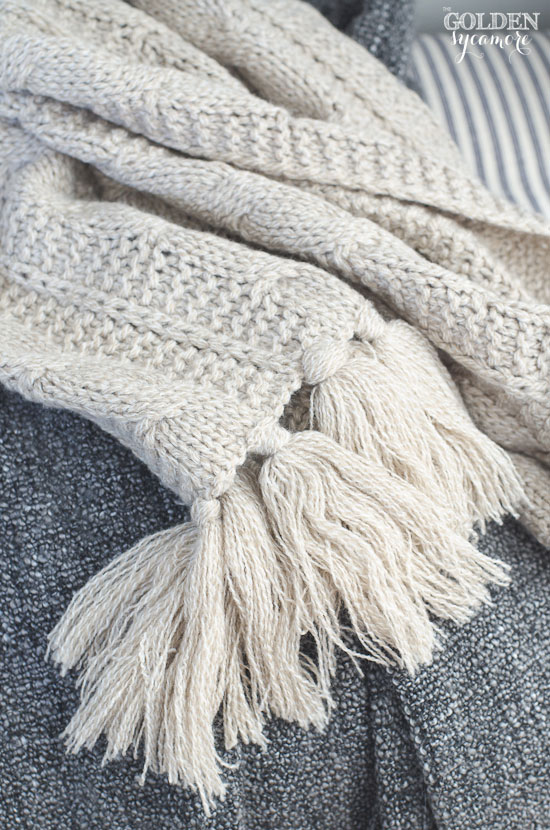 Cozy blanket and knitted scarf