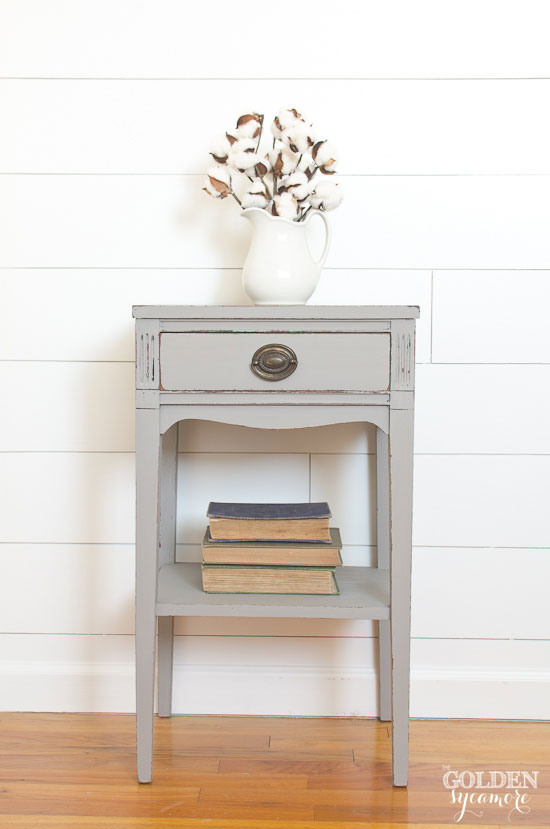 Perfect little gray end table - thegoldensycamore.com