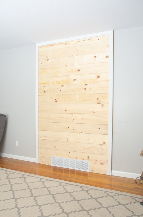 how to make a shiplap accent wall- thegoldensycamore.com