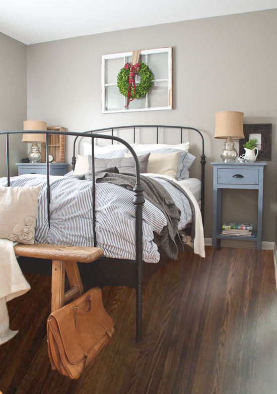 bedroom-with-dark-flooring---idea