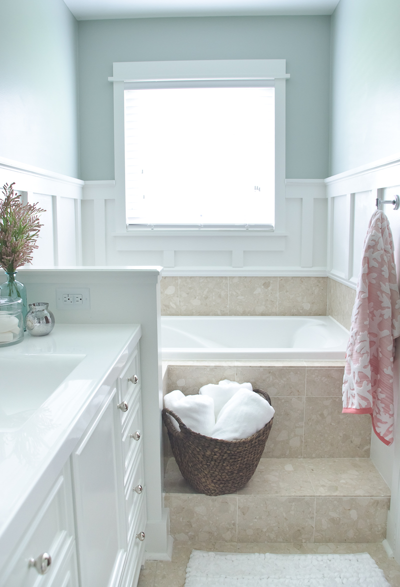 Lowe's Spring Bathroom Makeover