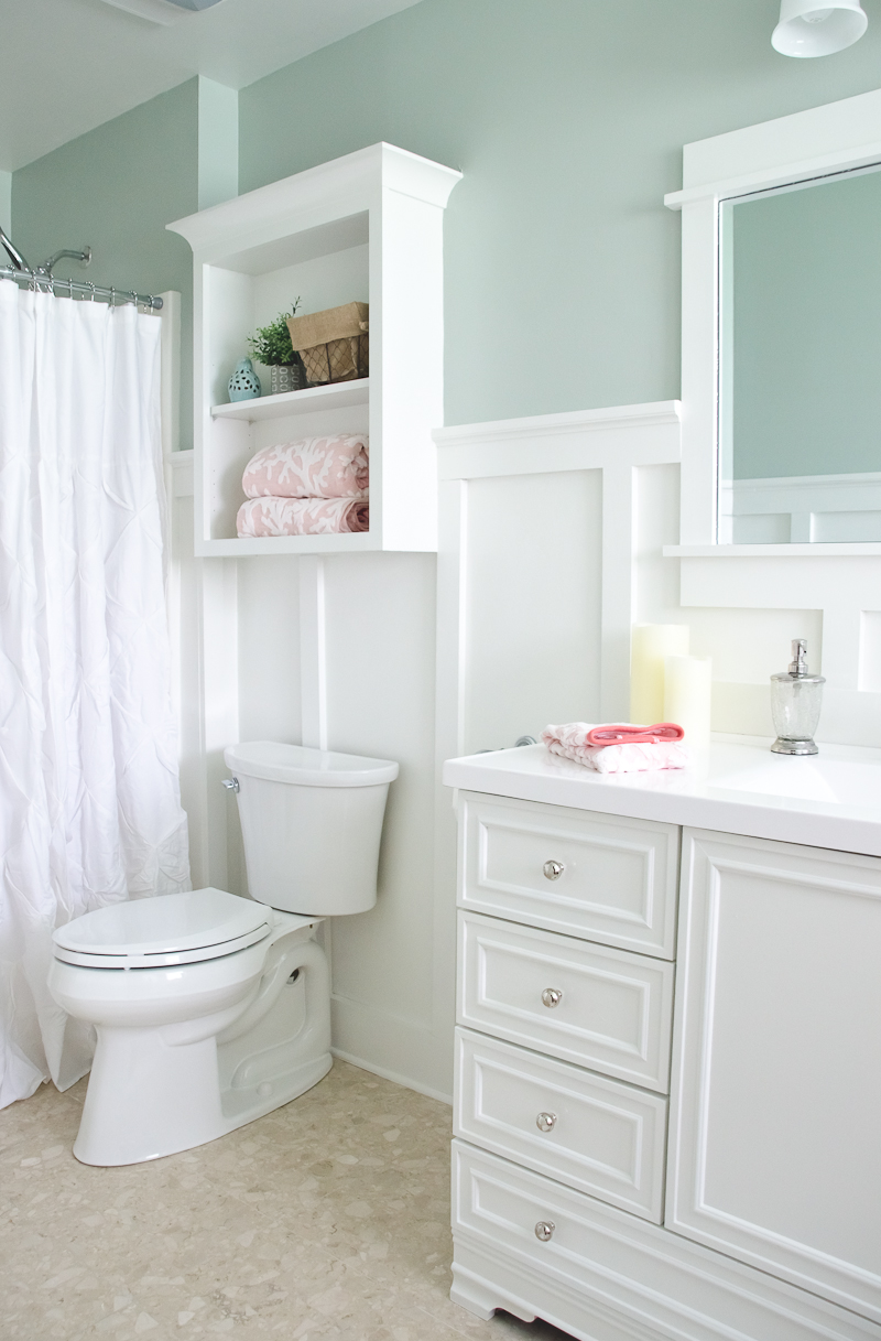 Lowe 39 s bathroom makeover reveal the golden sycamore Small bathroom makeovers