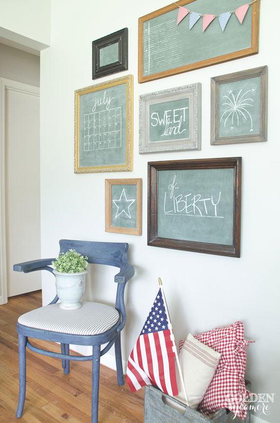 Fourth of July gallery wall - thegoldensycamore.com