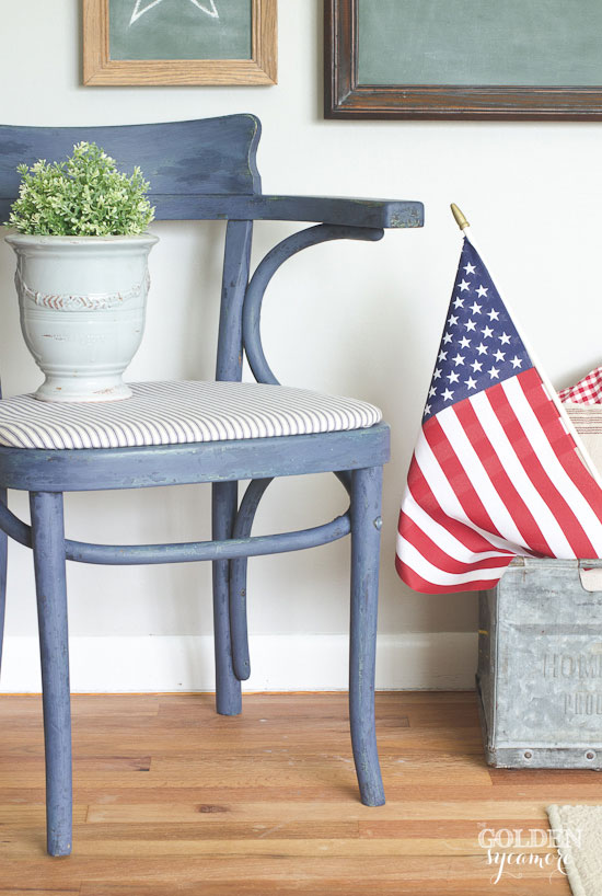 Vintage chair makeover and patriotic decor - thegoldensycamore.com