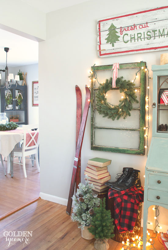 Vintage, cozy, lodge Christmas decor