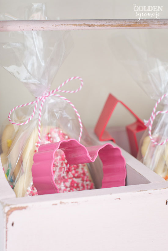 Valentine's Day cookie caddy