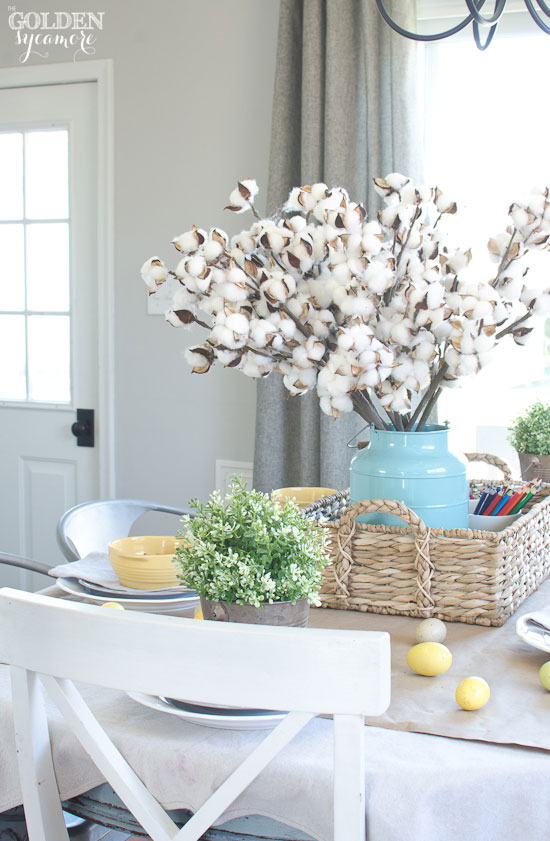 Beautiful cottage spring dining room decor