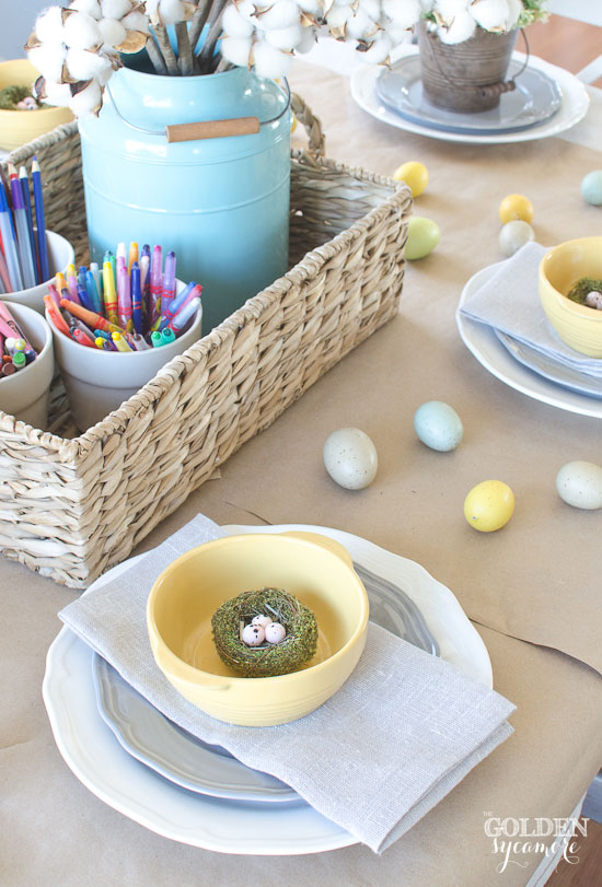 Kraft paper table cloth & crayons for kids