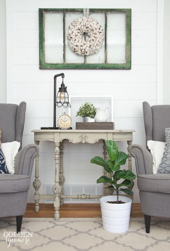 Beautiful beige painted turned leg table