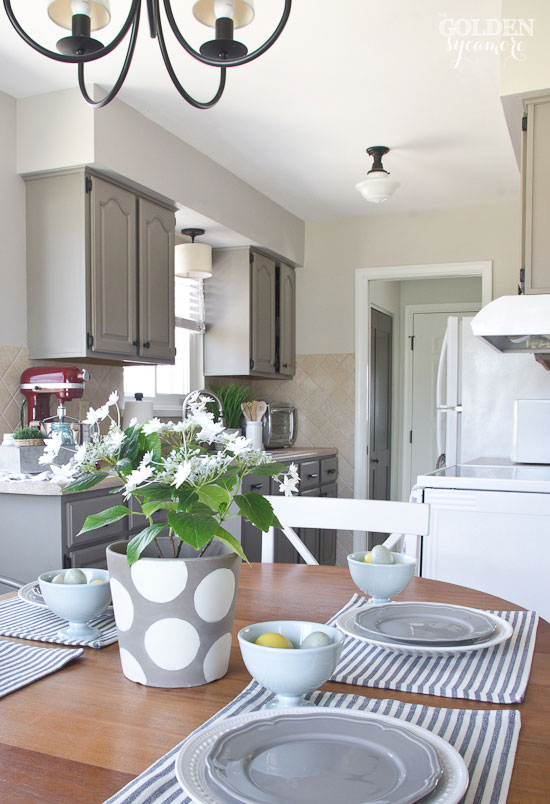 simple casual kitchen and dining room decor