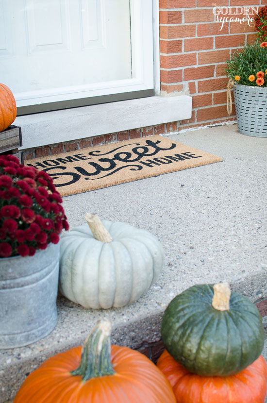 Home Sweet Home rug and fall porch decor