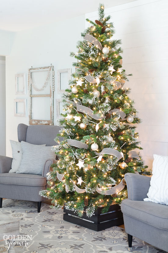 Black and white rustic Christmas tree