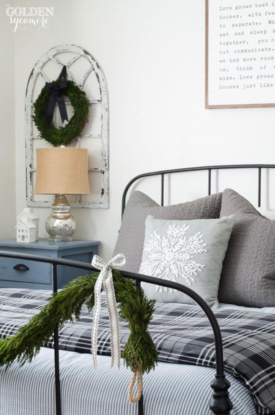 Classic cottage Christmas bedroom decor