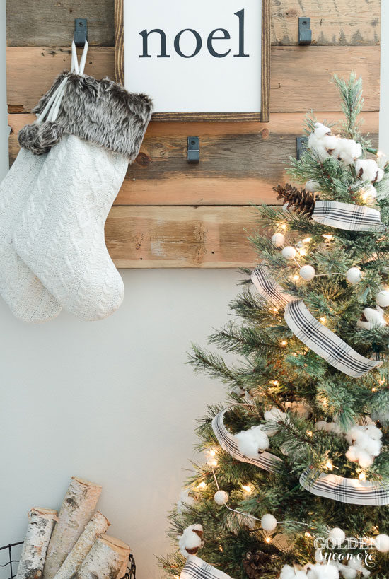 Rustic black and white Christmas decor